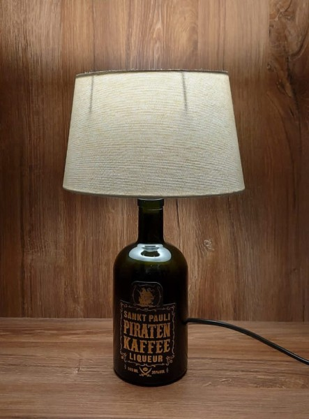 Lampe mit Schirm / Piratenkaffee / Upcycling