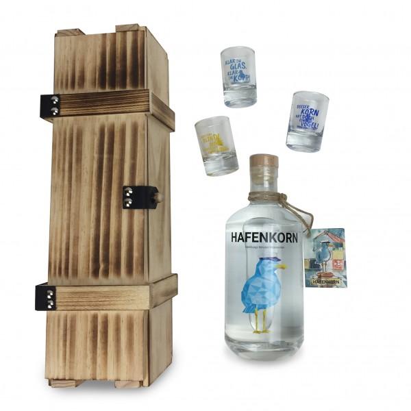 Geschenkset mit Hafenkorn 700ml Flasche + 3 Shotgläser in Holzkiste