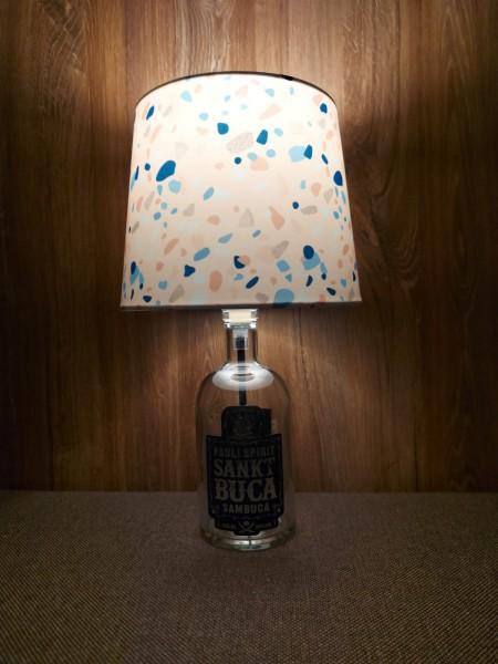 Lampe mit Schirm / Sankt Buca / Upcycling